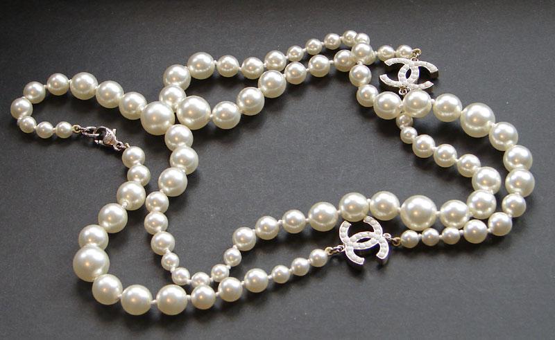 Jewel of the day: Chanel strand vs  fine jewellery