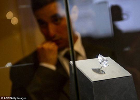 Harry Winston 101 ct diamond 2