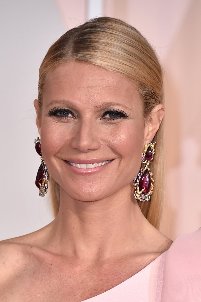 Paltrow Anna Hu earrings