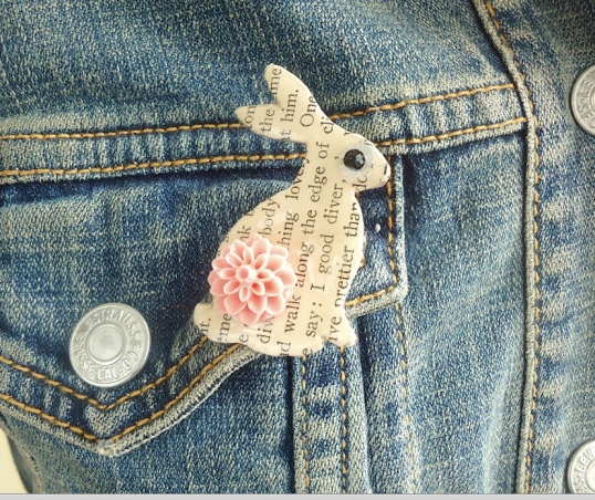 Shark Alley Hare Brooch