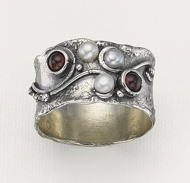 Pia Heart and Soul Ring