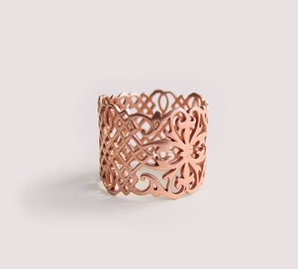 Arabesque cigar band ring