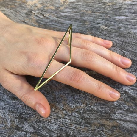Perez Bitan Pyramid Knuckle Ring