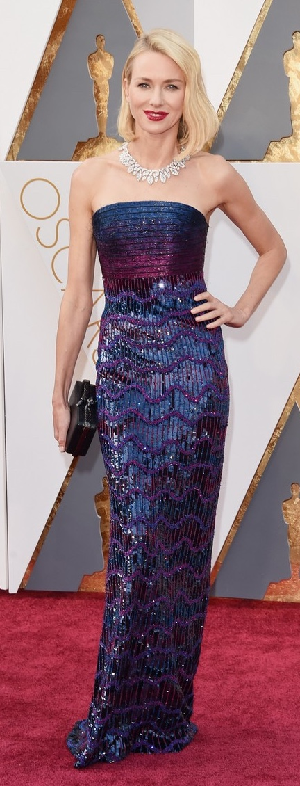 HOLLYWOOD, CA - FEBRUARY 28: Actress Naomi Watts attends the 88th Annual Academy Awards at Hollywood & Highland Center on February 28, 2016 in Hollywood, California. (Photo by Jason Merritt/Getty Images)