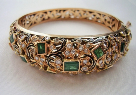 antique-emerald-and-diamond-bracelet