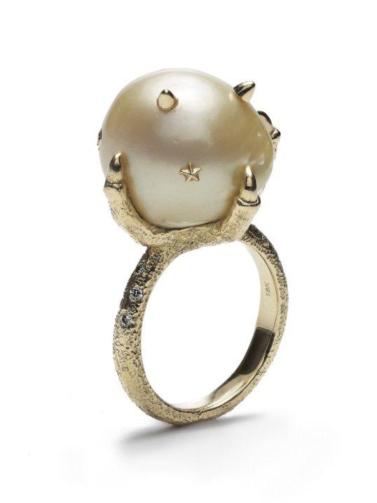 bibi-vandervelden-pearl-ring